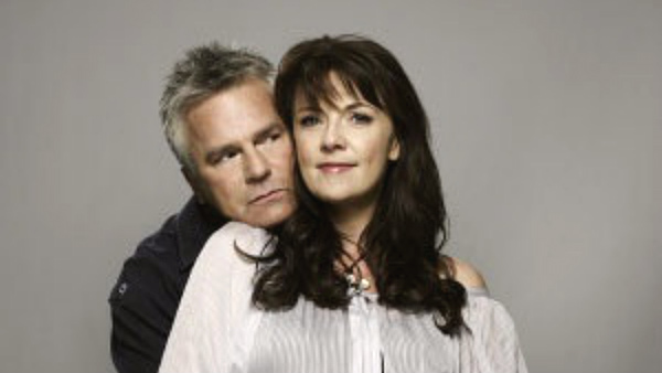 Amanda Tapping and Richard Dean Anderson