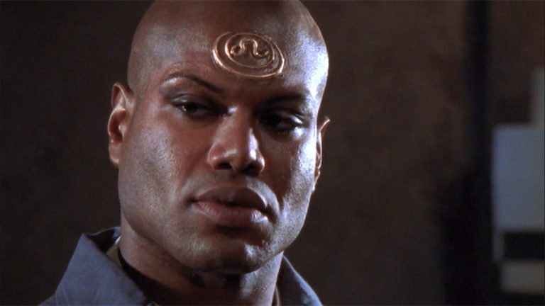 """Teal'c's upside-down tattoo (""""The Enemy Within"""")"""