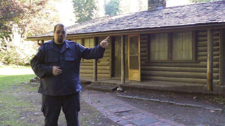 Taylor visits Jack's cabin