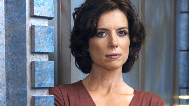 Torri Higginson (Elizabeth Weir)