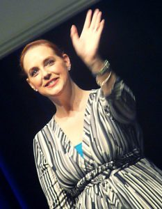 Suanne Braun on stage