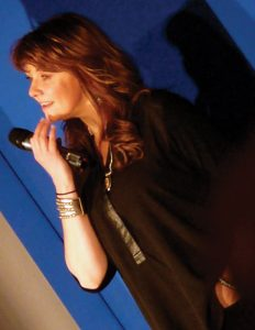 Amanda Tapping on stage
