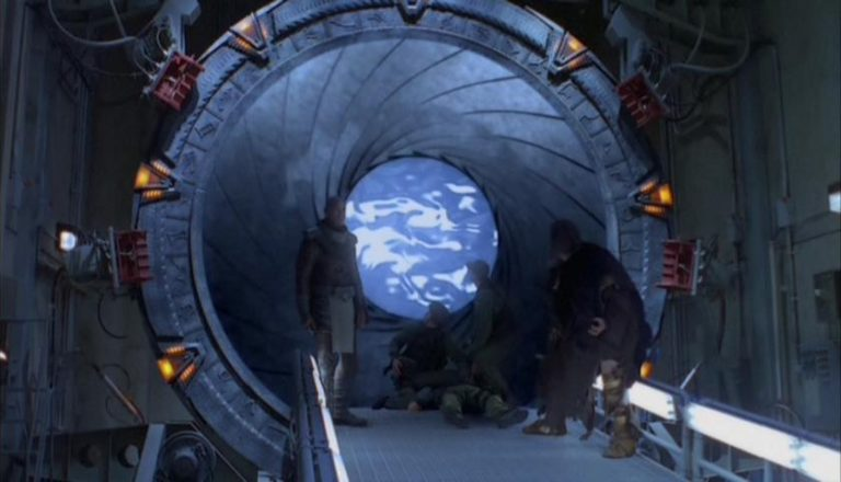 "Stargate iris closing (""Children of the Gods"")"